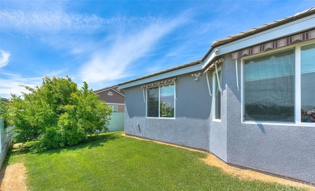 3186 Riverside Terrace, Chino CA: http://media.crmls.org/medias/7108d226-80ce-416c-84f4-f753c6712a17.jpg