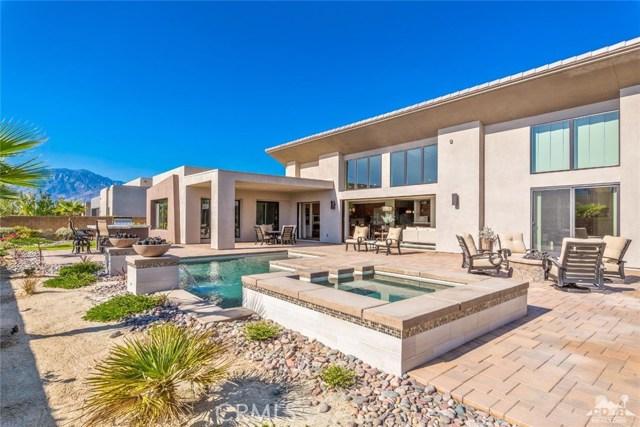 35 Via Noela, Rancho Mirage CA: http://media.crmls.org/medias/710f7087-2328-4742-aa46-6f5c88483ccc.jpg