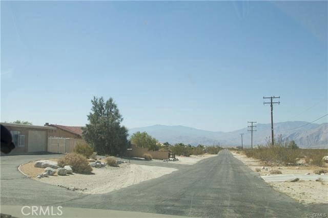 5 Kay Road, Desert Hot Springs CA: http://media.crmls.org/medias/7110f0b3-92e7-4e0c-b7d9-31ae40a26107.jpg