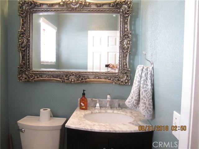 40452 Chauncey Way, Temecula CA: http://media.crmls.org/medias/7118ee75-726b-4cc7-b210-bbf295bb7fac.jpg