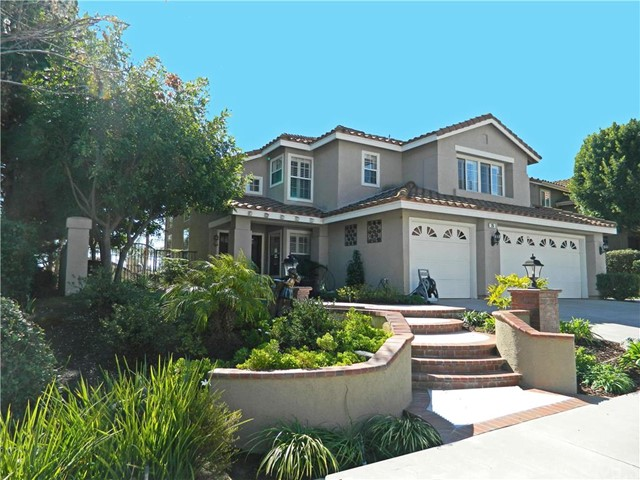 Single Family Home for Sale at 26 Ceramica St Rancho Santa Margarita, California 92688 United States