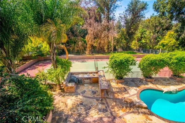 Частный односемейный дом для того Продажа на 5055 E Crescent Drive 5055 E Crescent Drive Anaheim Hills, Калифорния 92807 Соединенные Штаты