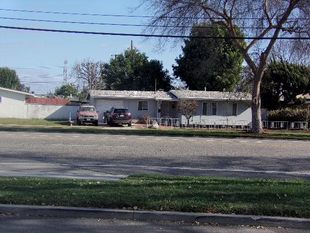 1514 N Studebaker Rd, Long Beach, CA 90815 Photo 1
