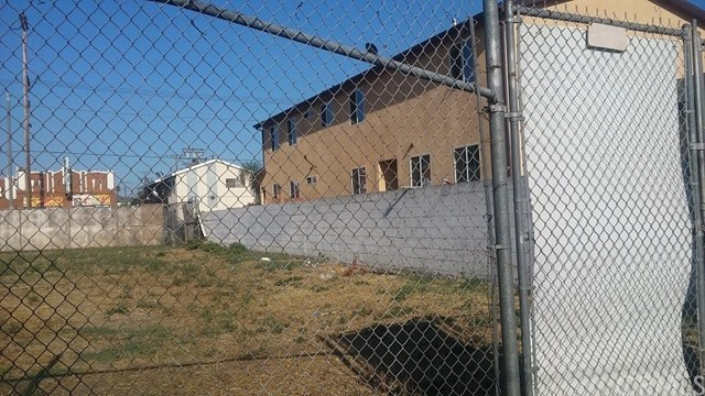 6205 S San Pedro St, Los Angeles, CA 90003 Photo 2