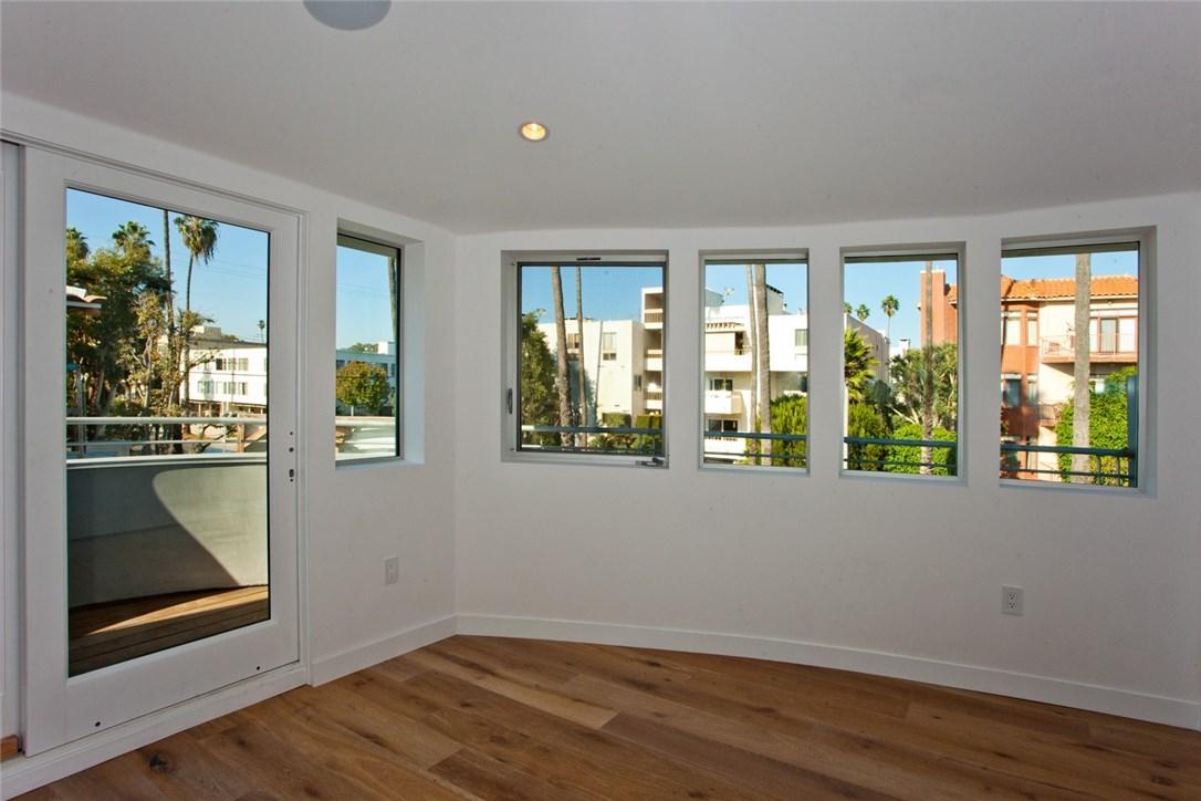 914 5th St, Santa Monica, CA 90403 Photo 8