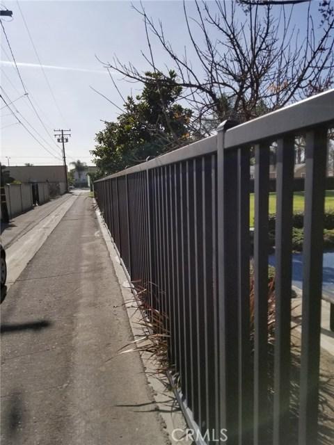 10911 Oak Street, Stanton CA: http://media.crmls.org/medias/71588540-2025-4a0e-b616-bada89661ab7.jpg