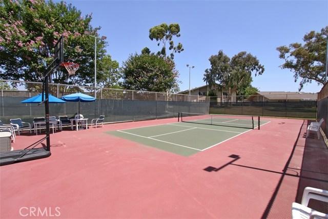8856 Sutter Circle, Huntington Beach CA: http://media.crmls.org/medias/7159a38a-609d-4aa2-8f67-e986ac7e2ea1.jpg
