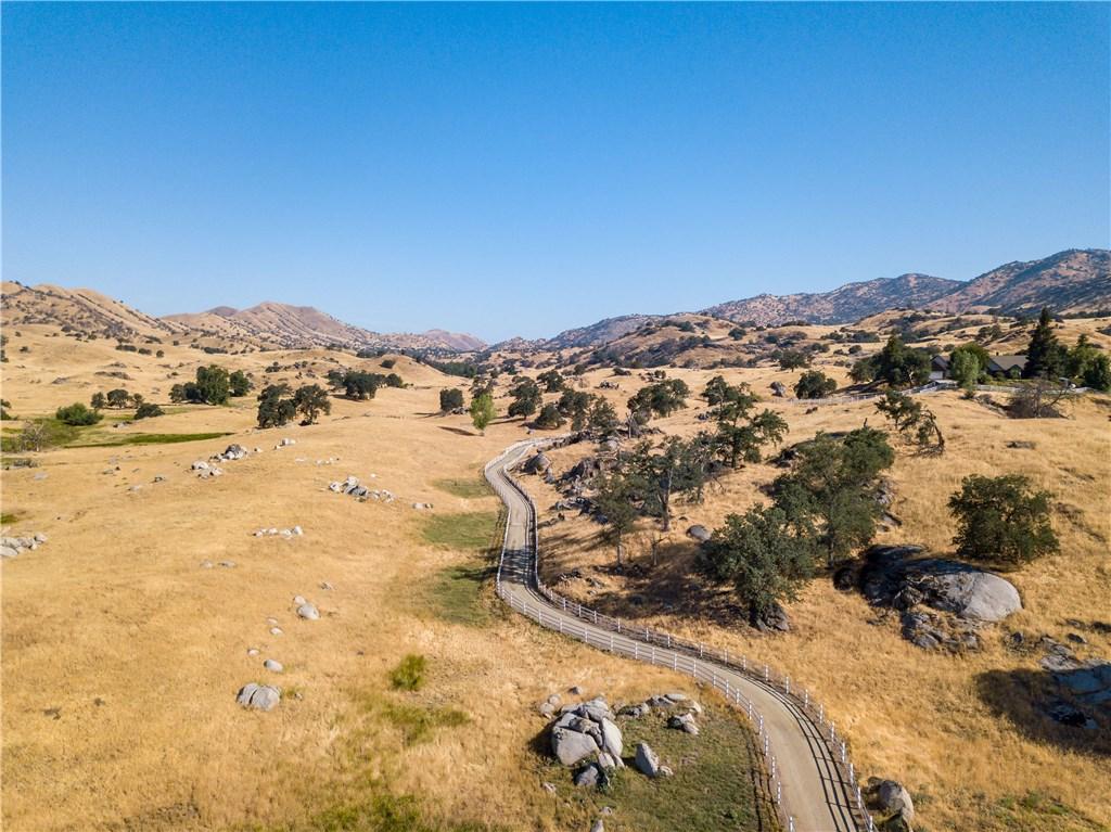 19799 Campbell Creek Drive, Springville CA: http://media.crmls.org/medias/71605b38-83c5-4b0c-86fc-2219122be7f6.jpg
