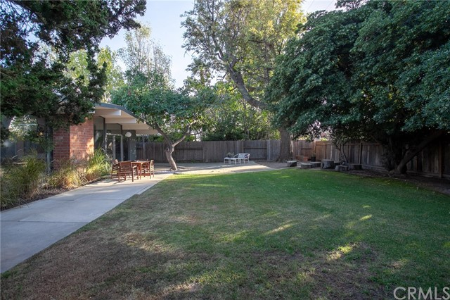 586 S Woodland Street, Orange CA: http://media.crmls.org/medias/71666352-9a20-4b4d-9f77-58c958a794b5.jpg