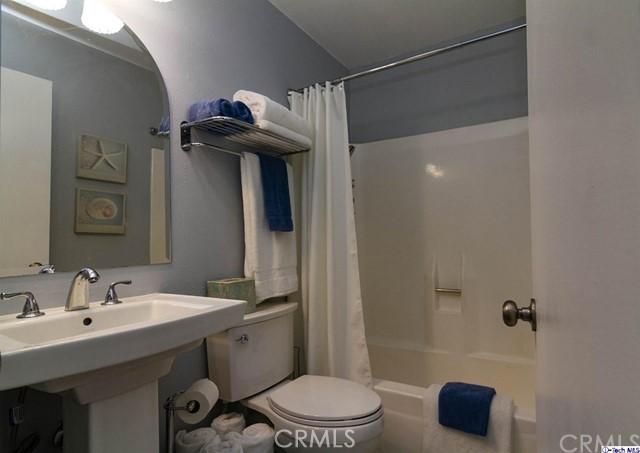 423 W Cedar Street, Ontario CA: http://media.crmls.org/medias/71678886-31a2-45dd-8c01-7fb2578e0672.jpg