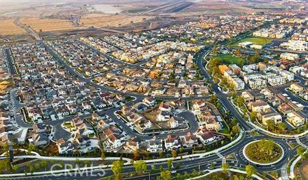 114 Spectacle, Irvine CA: http://media.crmls.org/medias/716bd513-2f66-44db-b224-54e117eea11a.jpg