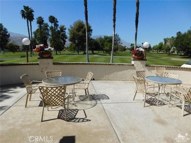 73450 Country Club Drive, Palm Desert CA: http://media.crmls.org/medias/7170e4a9-e3dd-4f83-8f84-27b036d0f254.jpg