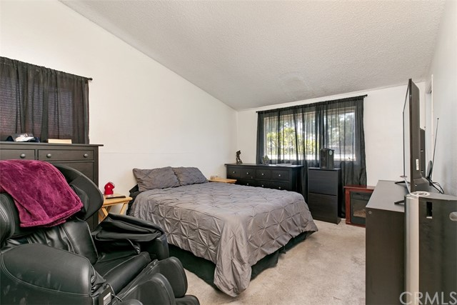 918 S Elliott Place, Santa Ana CA: http://media.crmls.org/medias/7183c0dc-a521-46cb-9ad1-e65df7e09330.jpg
