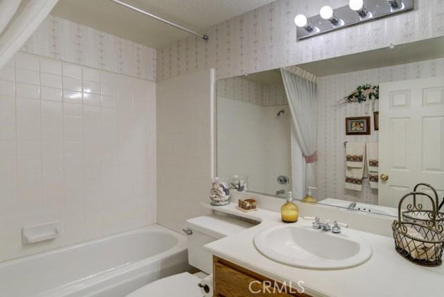 20912 MORNINGSIDE Drive, Rancho Santa Margarita CA: http://media.crmls.org/medias/718c5d7d-f24b-4d92-9396-92223e464123.jpg