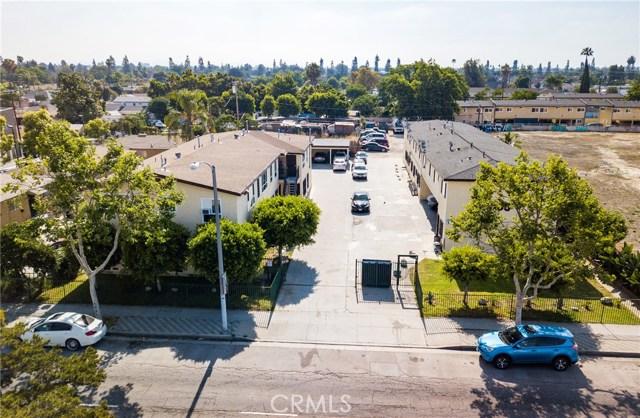 12624 S Wilmington Avenue, Los Angeles CA: http://media.crmls.org/medias/7191be44-1b55-4221-b5a3-226935d4ddb6.jpg