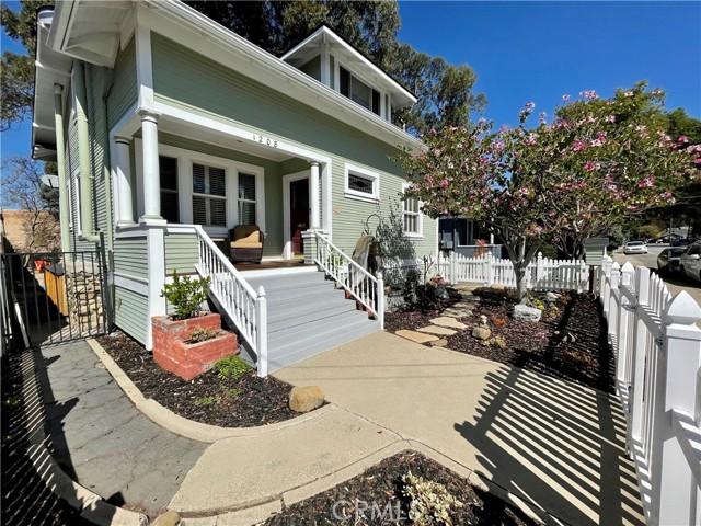 1208 Pismo Street, San Luis Obispo CA: http://media.crmls.org/medias/71af362b-18d6-44d6-b4fd-d678014f822f.jpg