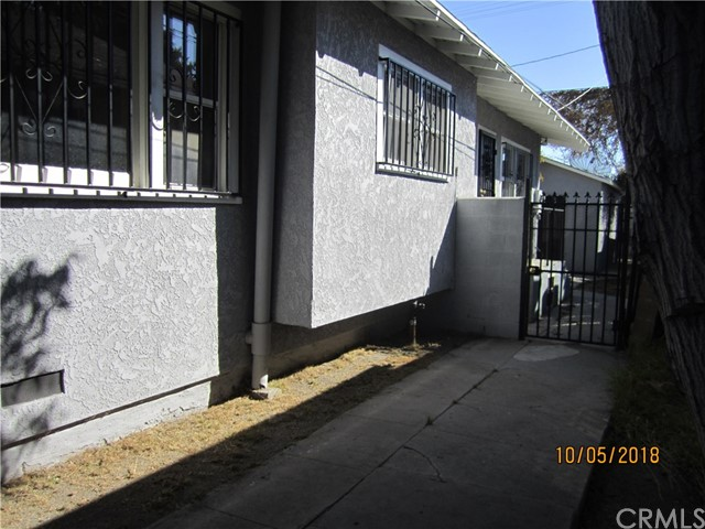 1844 West 38th Place, Los Angeles CA: http://media.crmls.org/medias/71c17f0b-bd7a-4b79-8932-27c8fc94304b.jpg