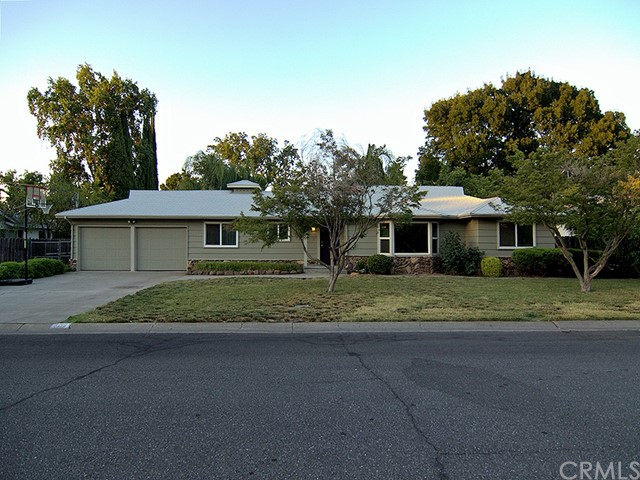 1010 Holben Avenue, Chico CA: http://media.crmls.org/medias/71c5ee76-ce4b-4faf-9474-adc7cd23905d.jpg