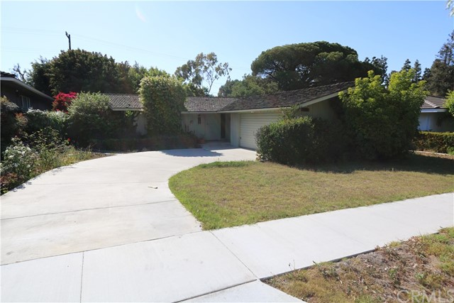 1561 N Greenbrier Rd, Long Beach, CA 90815 Photo 2