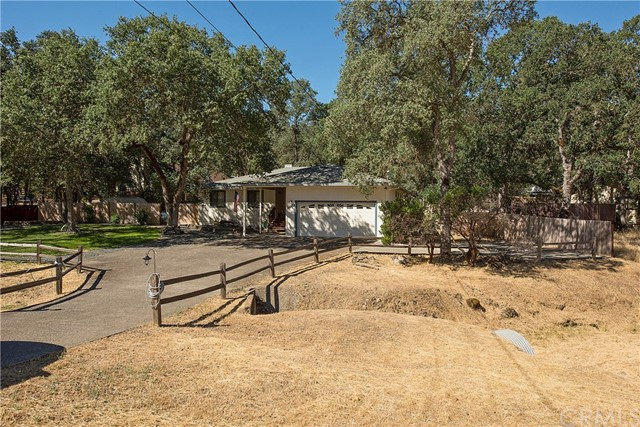 20273 Powder Horn Road, Hidden Valley Lake CA: http://media.crmls.org/medias/71c6c111-a34c-452e-966d-7213d314165e.jpg