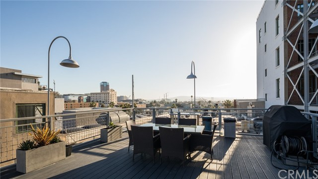 100 W 5th Street Unit 4J Long Beach, CA 90802 - MLS #: PW18115525