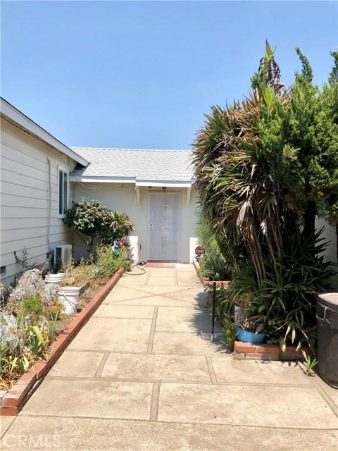 13333 Earl Avenue, Baldwin Park CA: http://media.crmls.org/medias/71e9a644-40ed-4c18-9c9b-536fb4581af8.jpg
