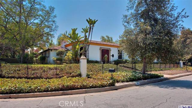 Single Family Home for Sale at 1100 Grand Avenue S Pasadena, California 91105 United States