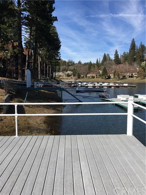 230 Brentwood Drive Lake Arrowhead, CA 92352 - MLS #: CV17207328