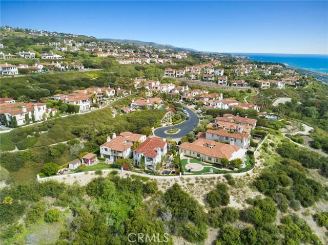 26 Sandy Cove, Newport Coast CA: http://media.crmls.org/medias/72207ed1-5968-4bd1-afb2-08d322a1ffda.jpg