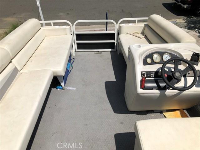 30099 White Wake Drive, Canyon Lake CA: http://media.crmls.org/medias/72261bb3-ea4d-40ac-a290-a8da686f8a86.jpg