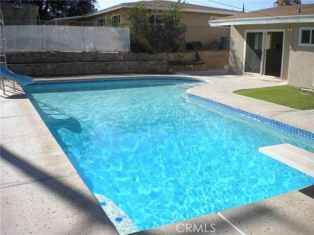 16321 Yucca Avenue, Victorville CA: http://media.crmls.org/medias/7229a326-c9dc-4ef3-b622-e307dc488efd.jpg
