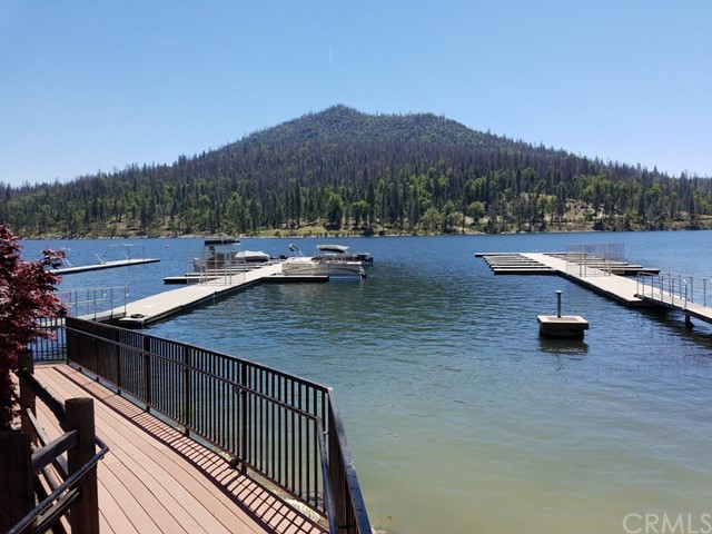 54791 Crane Valley, Bass Lake CA: http://media.crmls.org/medias/723429c9-759d-44b1-96a6-69f191b34c57.jpg