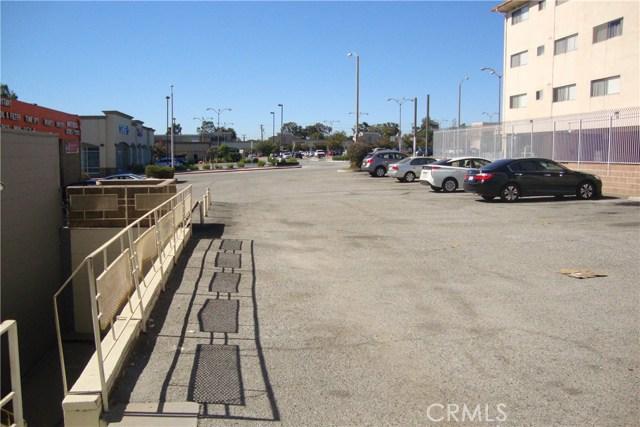 2124 W Beverly Boulevard, Montebello CA: http://media.crmls.org/medias/72463f6c-7bb3-4925-92ca-83920c869b5b.jpg