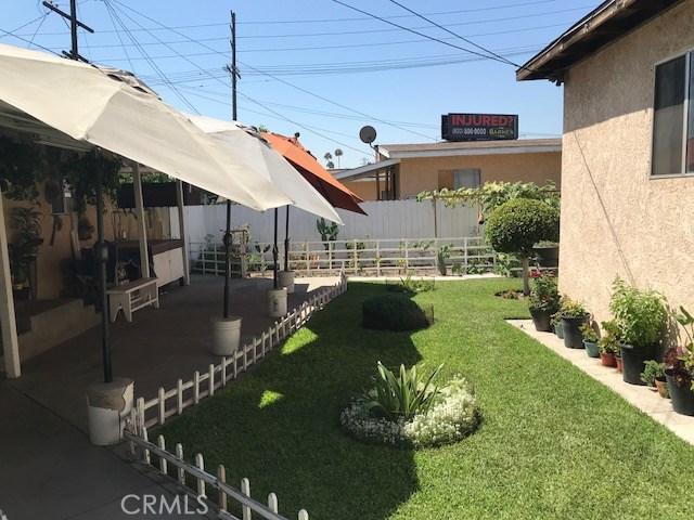 1818 Daly Street, Lincoln Heights CA: http://media.crmls.org/medias/726f8082-f3f2-4ebd-a192-d3867f512983.jpg