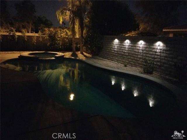 77626 Justin Court, Palm Desert CA: http://media.crmls.org/medias/7298f29f-8c94-45f6-a338-982ca411eee0.jpg