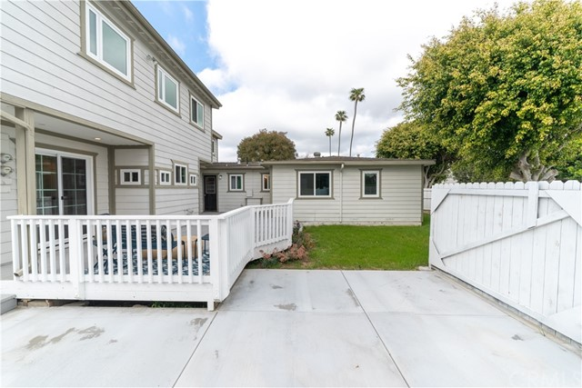 397 La Perle Lane, Costa Mesa CA: http://media.crmls.org/medias/72992261-0b7a-4d52-9d56-ee3fb11b0773.jpg