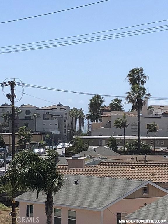 420 Lake Street, Huntington Beach CA: http://media.crmls.org/medias/729a4e12-42d4-4fdb-96d9-40770149e904.jpg