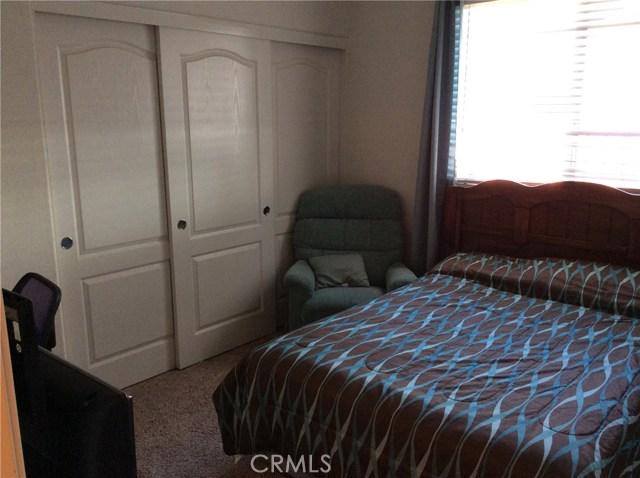 1487 Corona Street, San Jacinto CA: http://media.crmls.org/medias/729c9676-7c45-4e4b-9383-4e572ea6a283.jpg