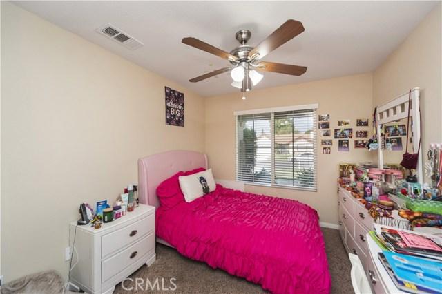 8002 Sycamore Avenue, Riverside CA: http://media.crmls.org/medias/72b0f00e-32bb-4241-9077-36c4d7414873.jpg