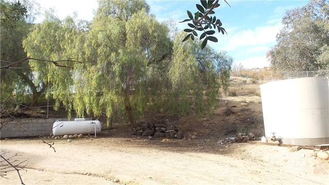 25760 EL TORO ROAD, LAKE ELSINORE, CA 92532  Photo 4