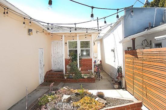 3809 Moore St, Los Angeles, CA 90066