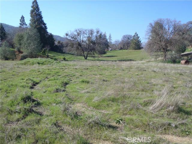 5155 Fournier Road, Mariposa CA: http://media.crmls.org/medias/72c7eeaa-da5b-400c-90d8-d95a4c9b7c4e.jpg