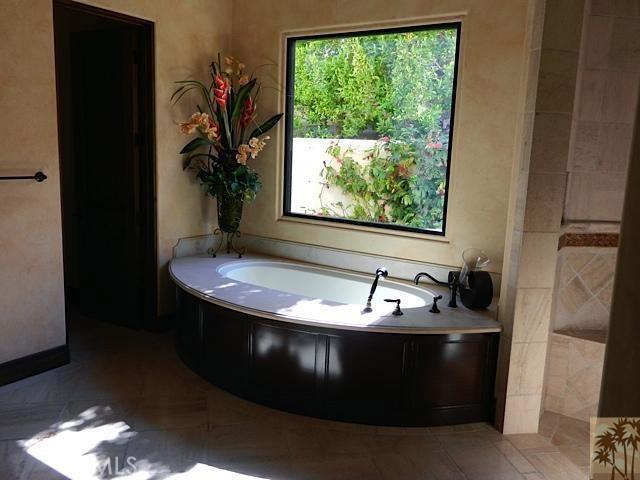 79281 Tom Fazio Lane, La Quinta CA: http://media.crmls.org/medias/72c997de-babf-4aea-a384-e379639d20ef.jpg
