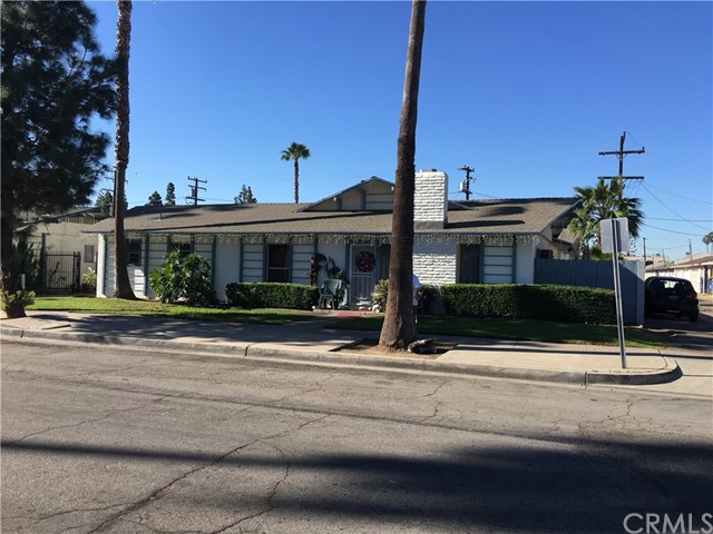 独户住宅 为 销售 在 1181 S Belhaven Street Anaheim, 加利福尼亚州 92806 美国