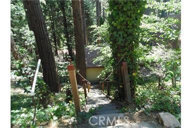 677 Wellsley Drive, Lake Arrowhead, CA 92352
