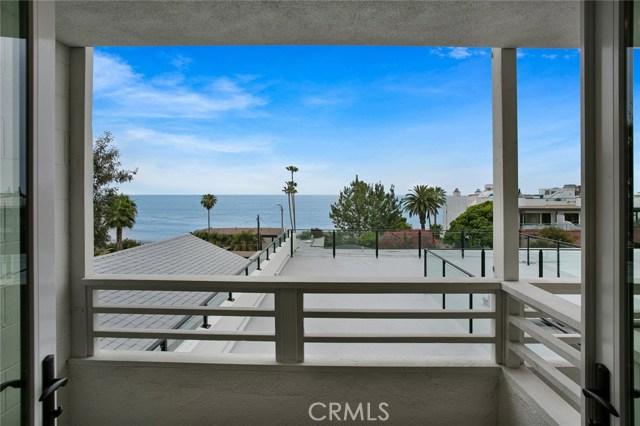 621 S Ramona, Laguna Beach CA: http://media.crmls.org/medias/72dc4ef7-5027-4e87-a83c-90e3a334293a.jpg