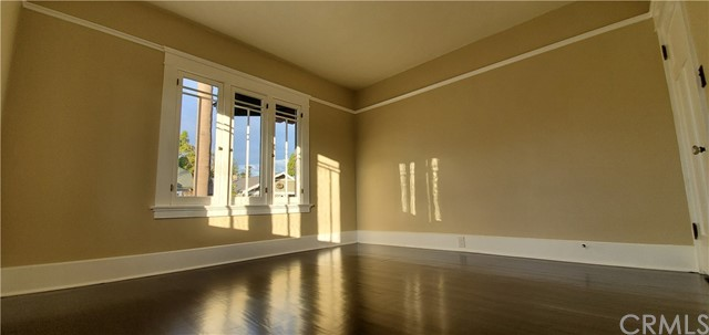 206 W 18th Street, Santa Ana CA: http://media.crmls.org/medias/72ea047b-7bd3-4da8-8bef-c9a862ce02f7.jpg