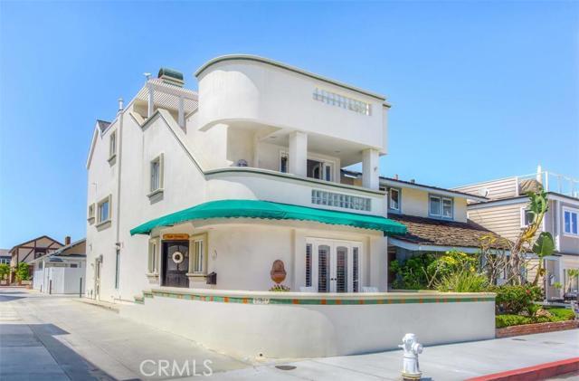 Single Family Home for Sale at 307 Coronado Street Newport Beach, California 92661 United States