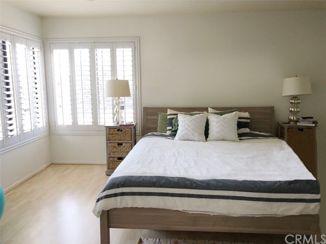 280 Cagney Lane, Newport Beach CA: http://media.crmls.org/medias/72f169ad-3f8d-4012-bafc-364520e220cf.jpg