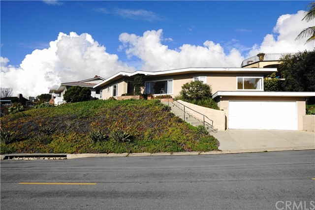 511 Seaward Road Corona del Mar, CA 92625